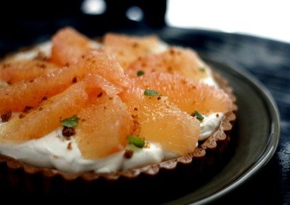 グレープフルーツとフレッシュチーズのタルト